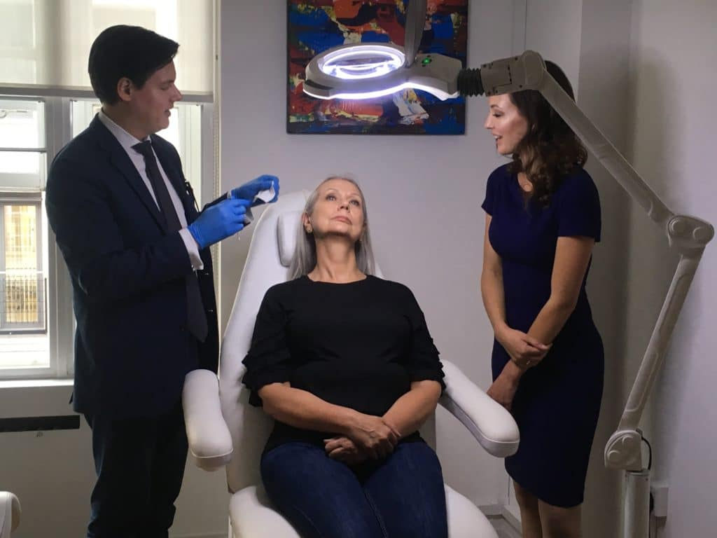 Dentist doctors learning aesthetic medicine