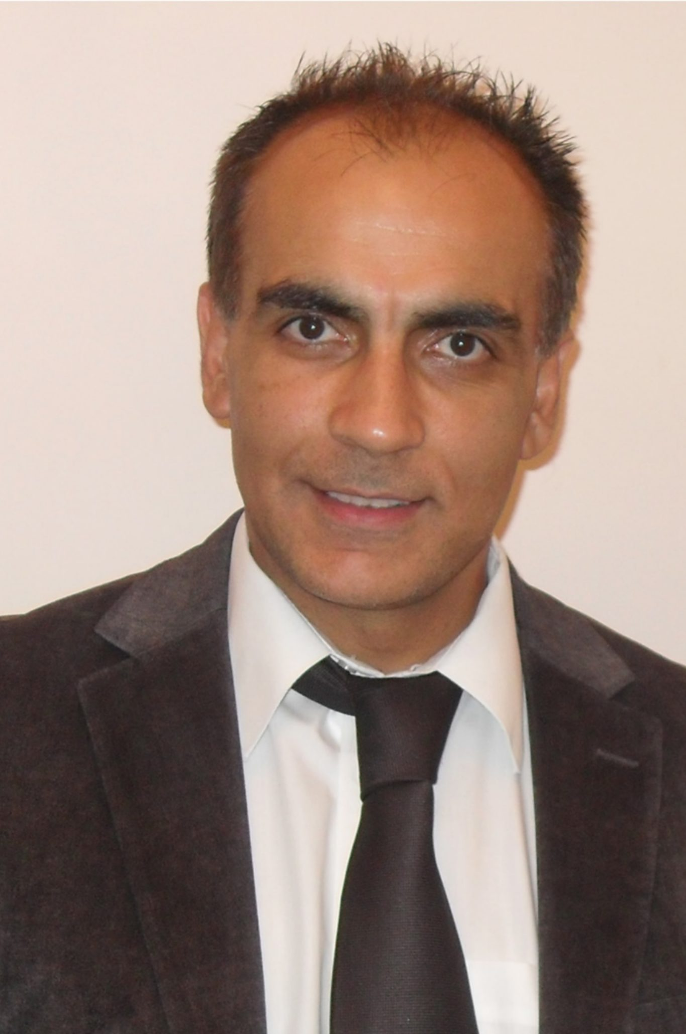 dr-ash-chadha