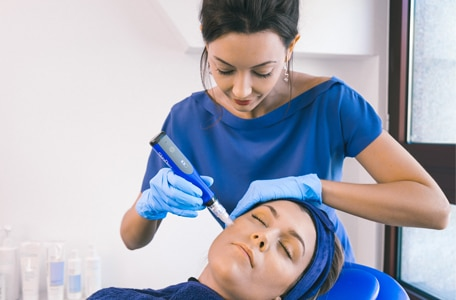 Cosmetic Dermatology - Aesthetic Training for Doctors, Dentists & Nurses